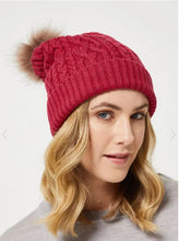 Load image into Gallery viewer, CABLE MERINO BEANIE