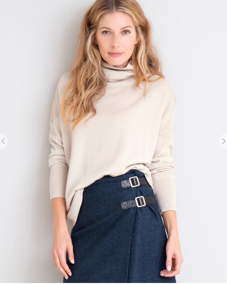 Slouchy Fine Knit Roll