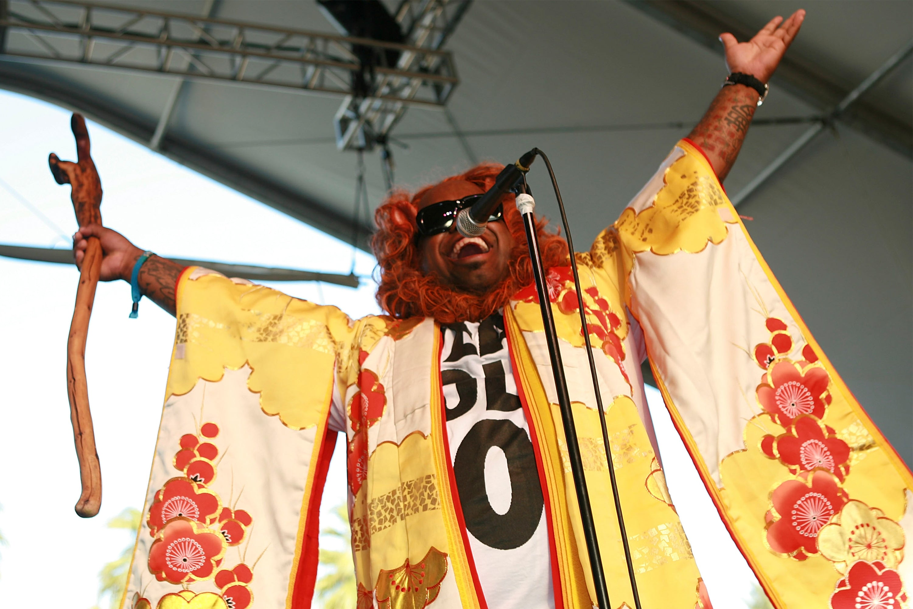 Gnarls Barkley performing at the 2006 Coachella Valley Music Festival April 30, 2006 in Indio, California. (Photo by Bob Berg/Getty Images)