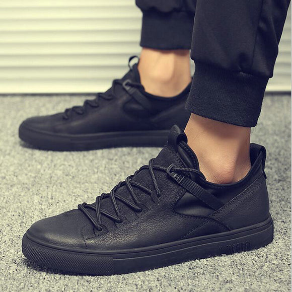 New Hot sale fashion male casual shoes all Black Men's leather casual Sneakers