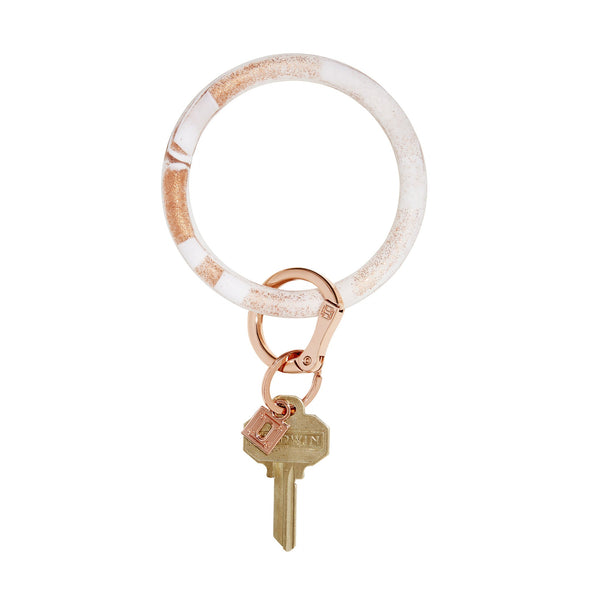 BIG O SILICONE KEY RING IN ROSE GOLD MARBLE