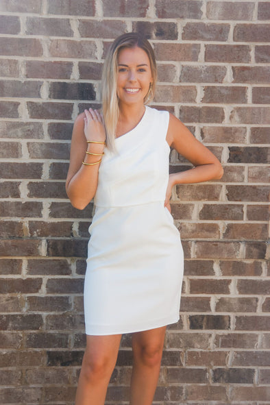 MOLLY BRACKEN WHITE ONE SHOULDER DRESS