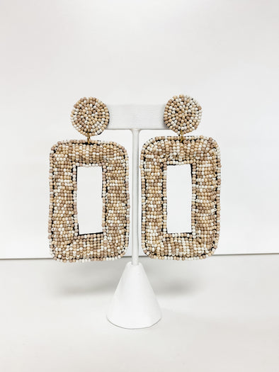 NATURAL BEADED ROUNDED RECTANGLE EARRING
