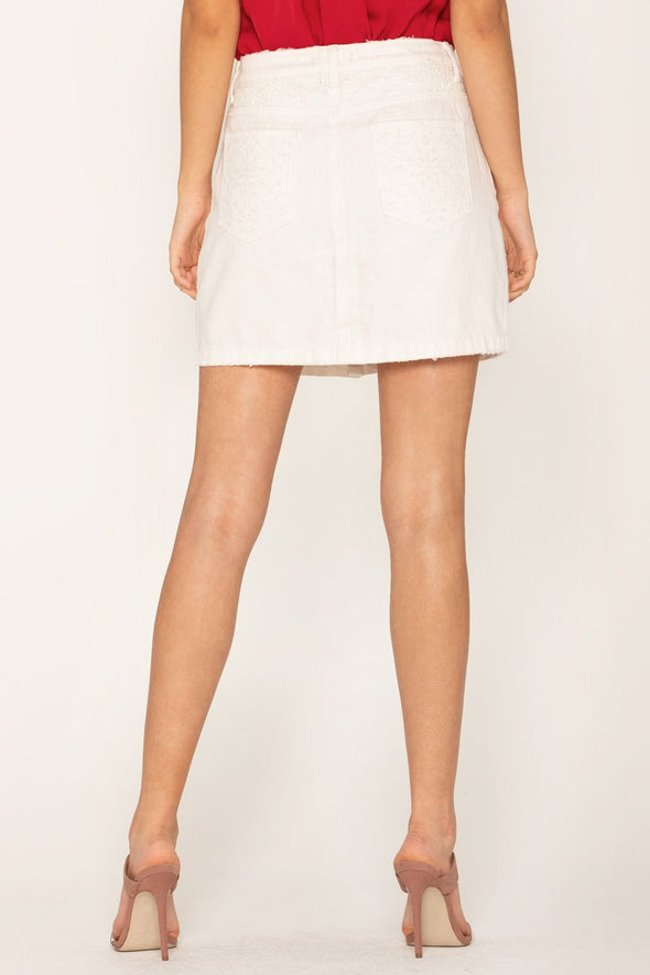 ALLURING LACE CONTRAST SKIRT - OFF WHITE