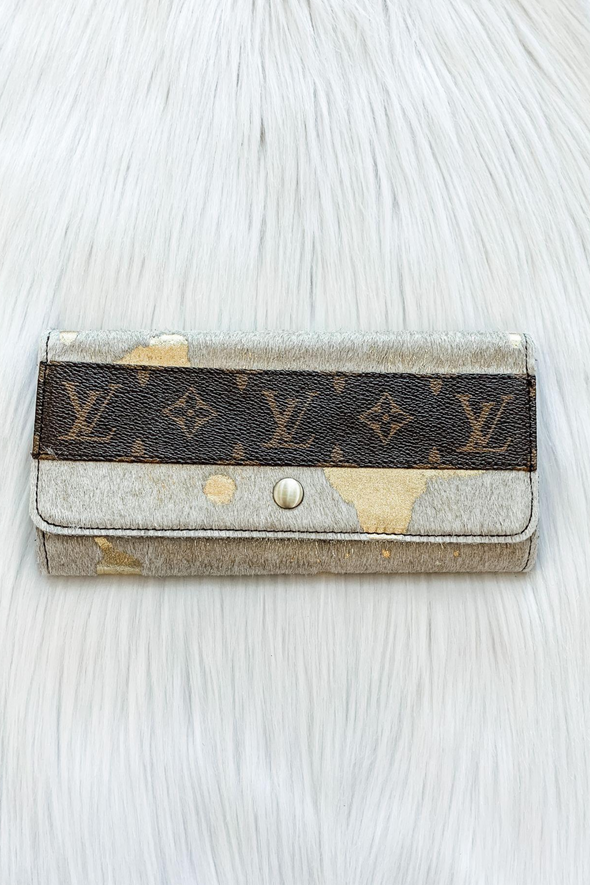 LOUIS VUITTON GOLD CITY WALLET