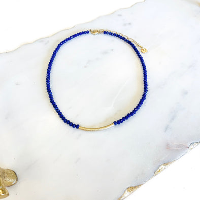GOLD BAR CHOKER NECKLACE IN BLUE