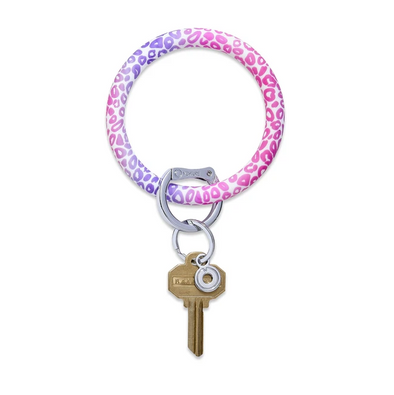 BIG O SILICONE KEY RING IN PINK CHEETAH
