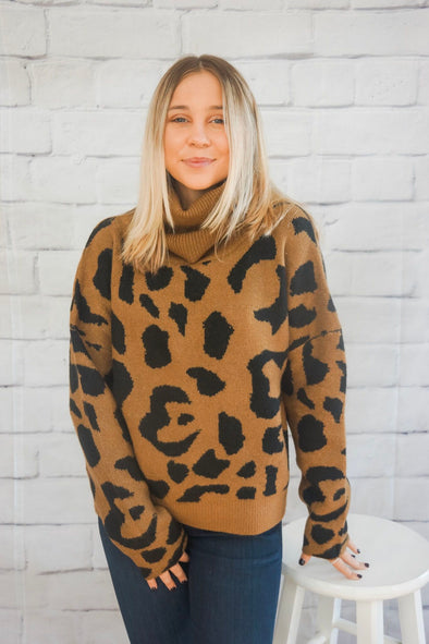 LEOPARD TURTLE NECK SWEATER