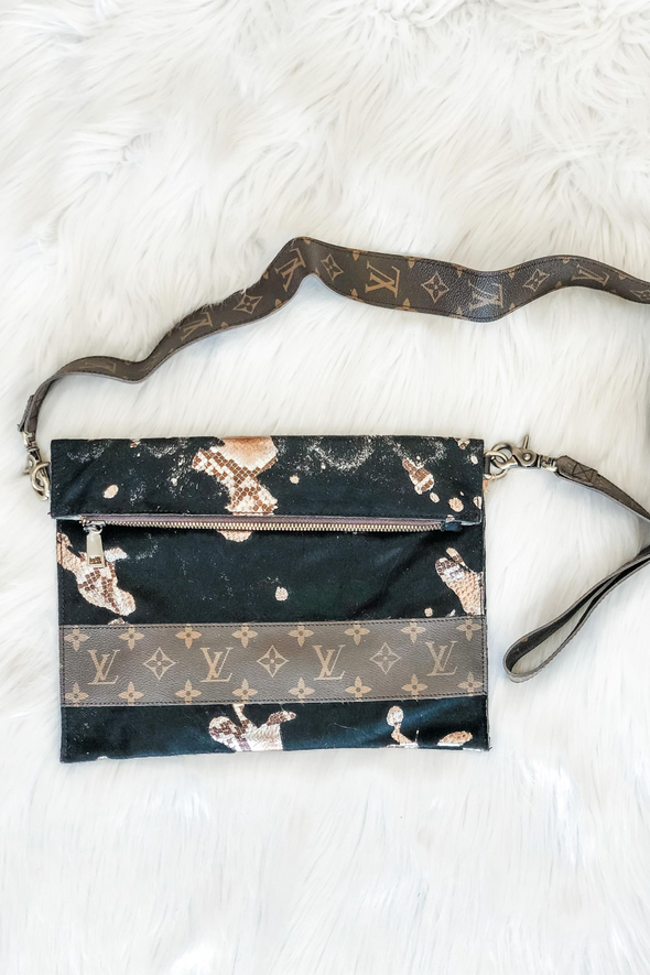 LOUIS VUITTON DAY TRIP BLACK GRUNGE CROSSBODY