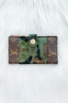 LOUIS VUITTON BIFOLD BUTTON CARD WALLET IN CAMO