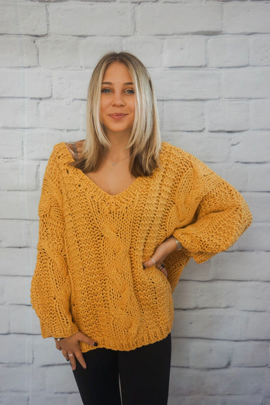 SLOUCHY CABLE KNIT SWEATER IN MUSTARD
