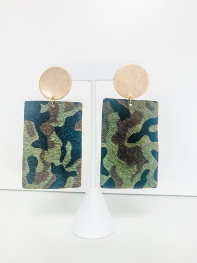 GREEN CAMO RECTANGLE LEATHER EARRINGS