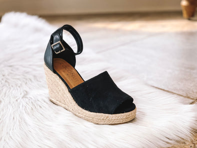 BLACK FLAMINGO WEDGE