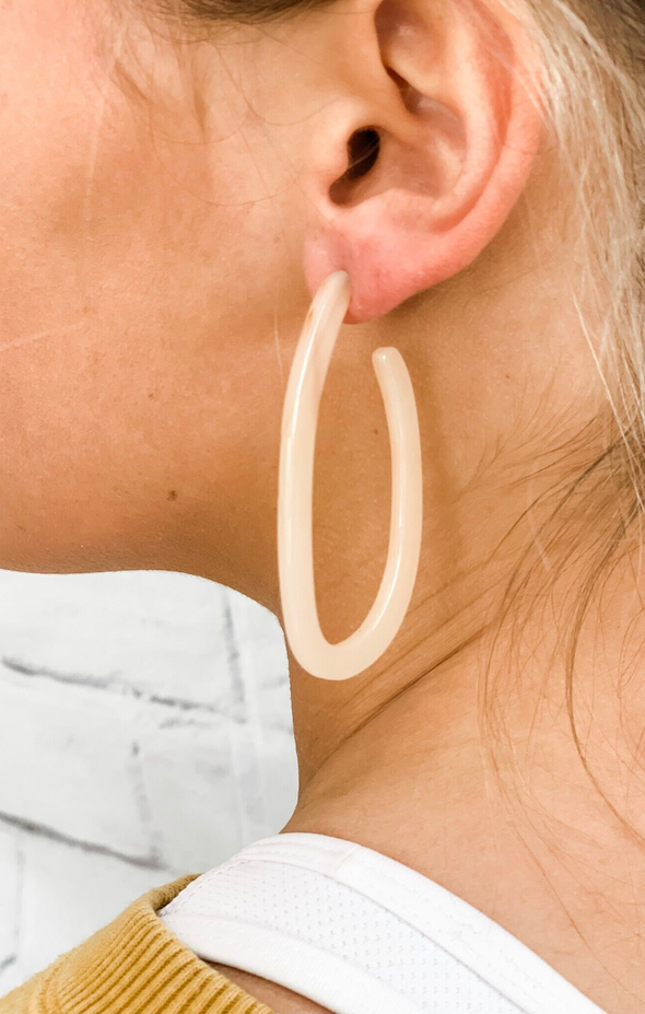 GOOD SIDE EARRINGS IN BEIGE