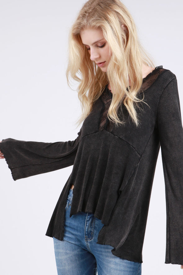 BLACK LONG SLEEVE TOP FRONT SIDE SLITS