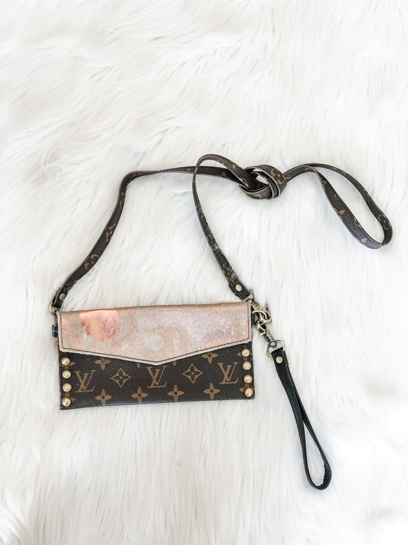 LOUIS VUITTON PERFECT SENSE ROSE GOLD CROSSBODY