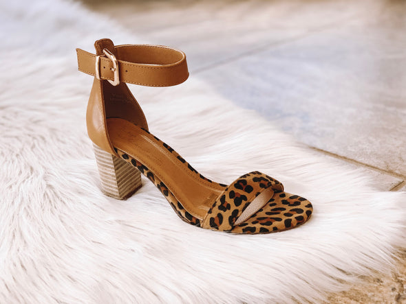 SINGLE BAND LEOPARD HEEL