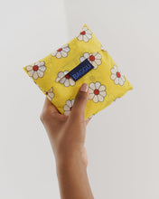 Load image into Gallery viewer, Standard Baggu Yellow Daisy