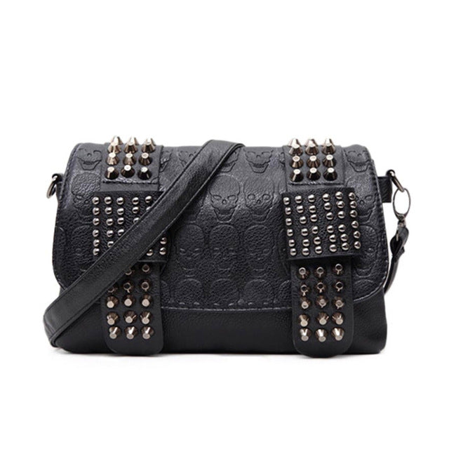 e866b4a1be6789 2018 Vintage Fashion Skull Women Messenger Bags Rivet Envelope Mini Clutch  Bags Envelope Crossbody Punk Shoulder