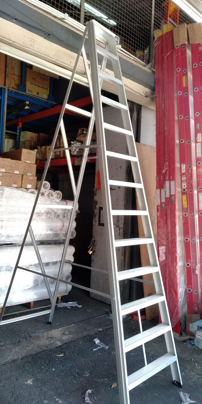 Heavy Duty Aluminium Ladder | Steps : 2 - 24 | Model : L-BB - Aikchinhin