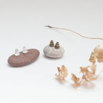Lade das Bild in den Galerie-Viewer, Ear jackets with fringe ~ 2 sizes ~ 3 metal options ~ 4 stud earrings options (Made to order)