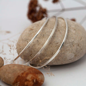 Ready-to-ship size 6cm & 5cm : Choose between 3 silver bracelets : round, flattened or hammered