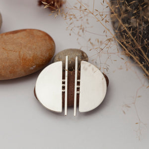 Architectural half circle earrings in silver