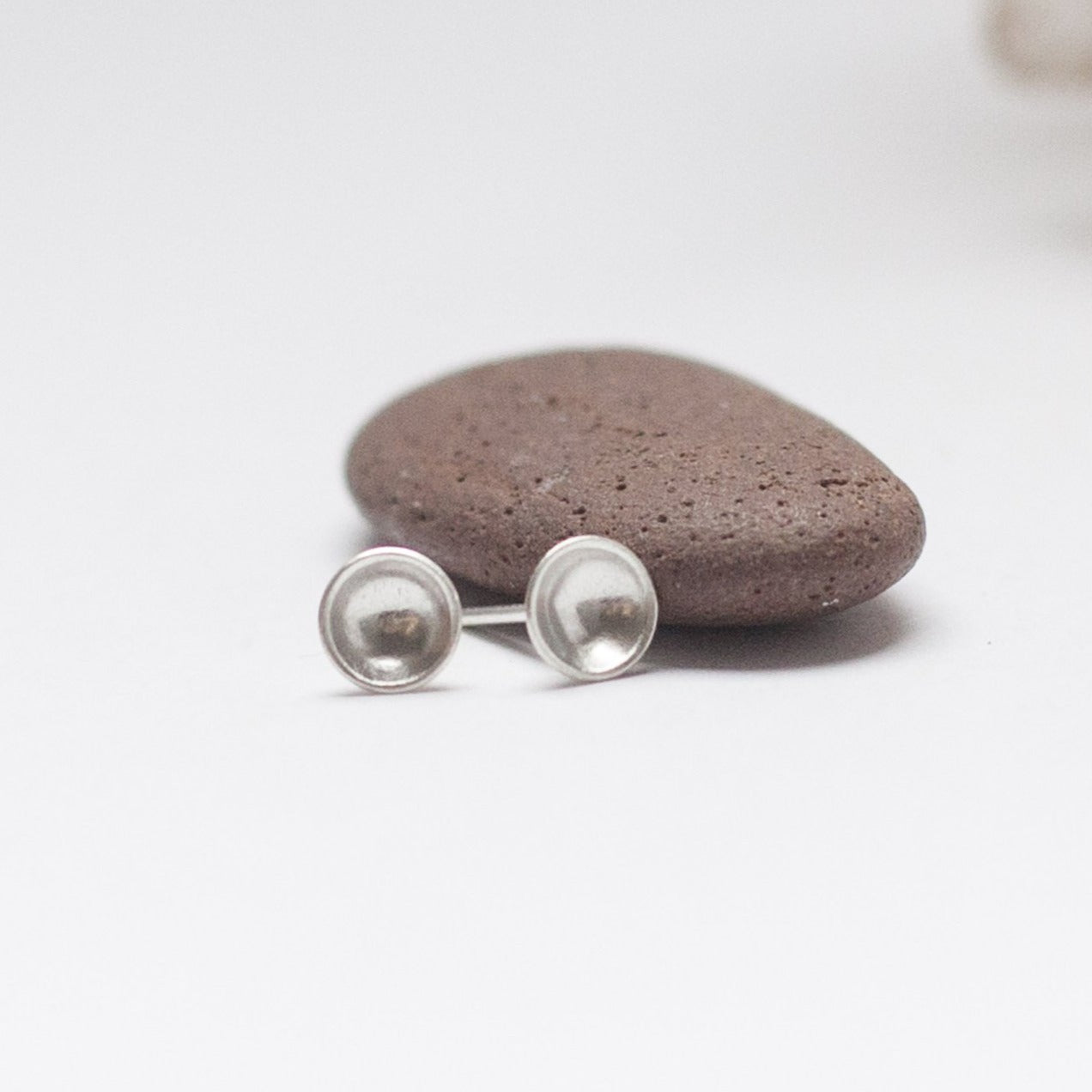 Small silver bowl earrings (6mm ø)