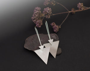 Double triangle earrings in silver