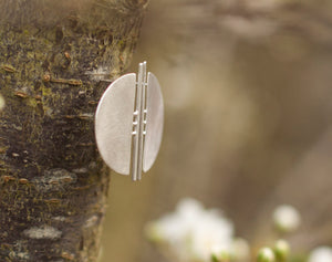Ready-to-ship : Architectural half circle earrings in silver