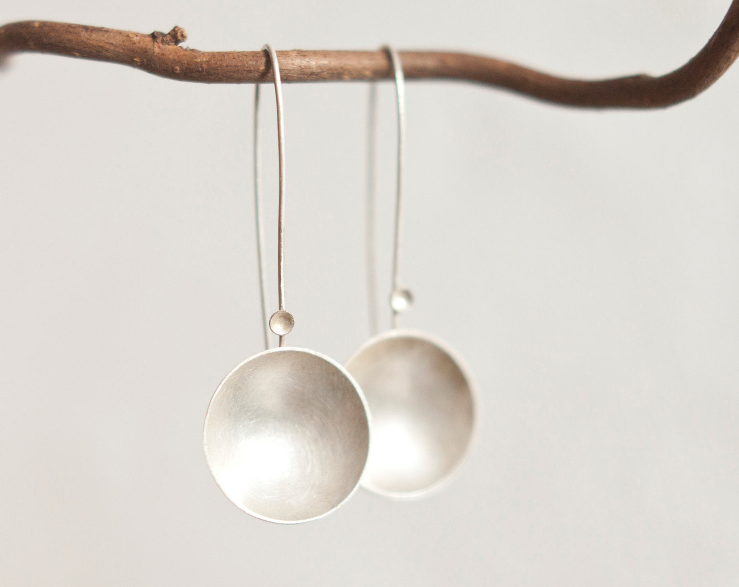 Long circle earrings in silver