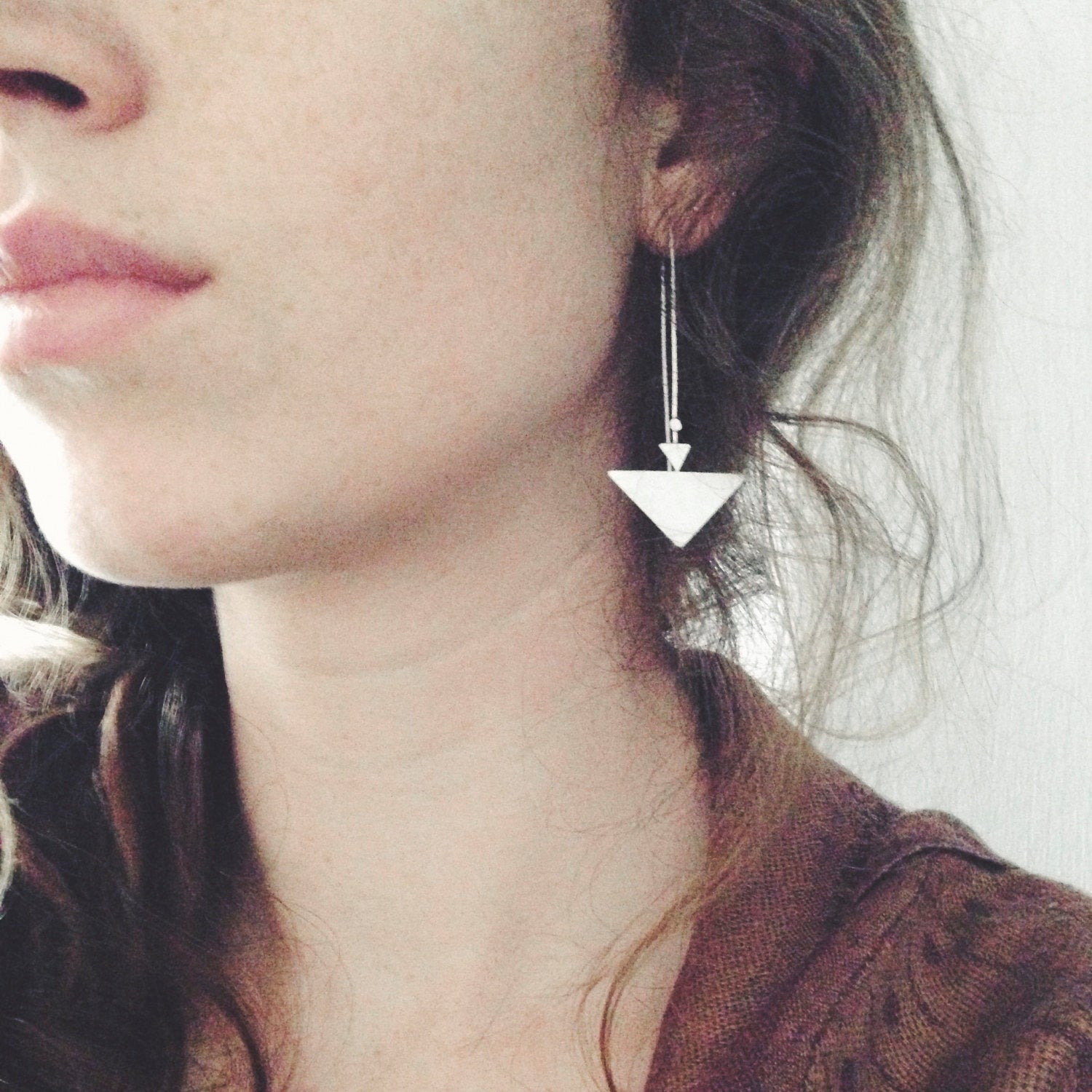 Long earrings in silver : 2 triangles and 1 dot     (made to order)