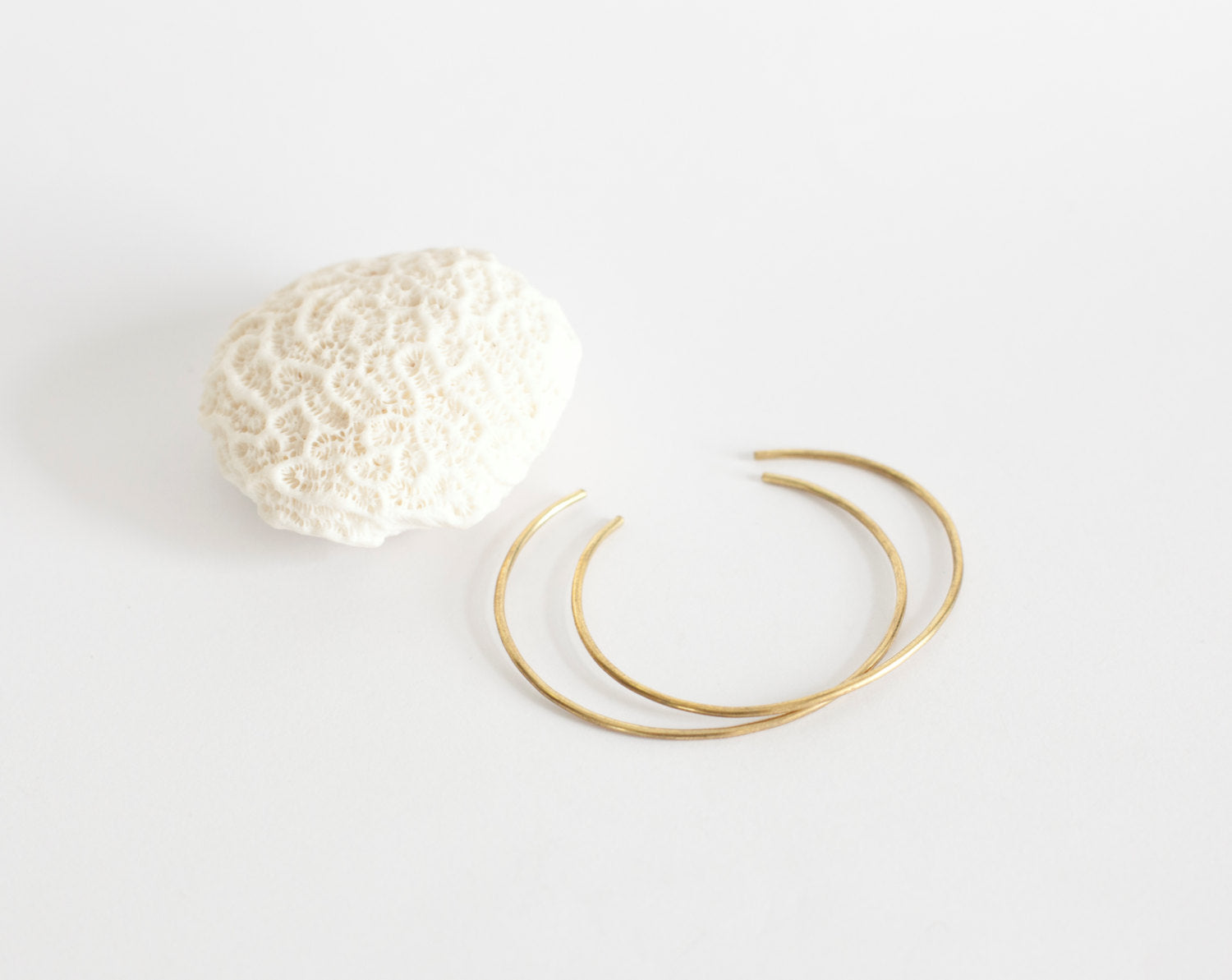 Set of 2 thin brass cuff bracelets