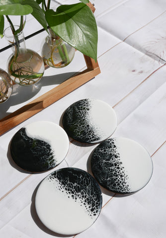 Yin and Yand Coaster Set