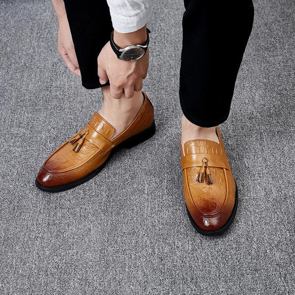 Men's British crocodile pattern pointed shoes