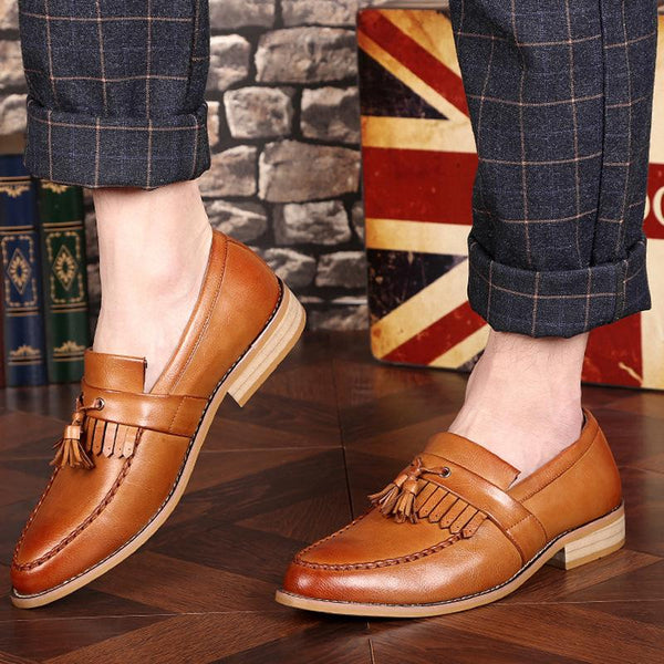Men's Casual Brock Tassels Tide Breathable Carved Pointed Shoes