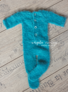Footed romper and hat set for Newborn, tropical sea blue. Hat decorated with lace. Fuzzy yarn. Ready to send