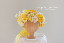 Load image into Gallery viewer, Flower halo, crown, sitter, adult headdress. Floral headband. Maternity. Wedding. Ready to send photo prop