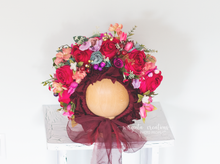 Load image into Gallery viewer, Flower bonnet , sitter, 6-12 months old. Floral bonnet. Ready to send photo prop