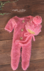 Fuzzy footed romper and matching hat, Newborn, pink. Pom-pom hat. Ready to send