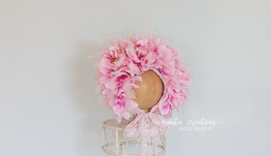 Flower bonnet , sitter, 6-12 months old. Feather bonnet. Pink. Ready to send photo prop