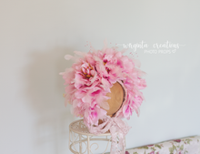 Load image into Gallery viewer, Flower bonnet , sitter, 6-12 months old. Feather bonnet. Pink. Ready to send photo prop