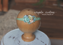 Load image into Gallery viewer, Flower stretch tieback. Sitter, toddler, newborn. headband. Ready to send