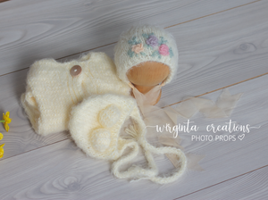 Fuzzy footed romper and matching hats set, Teddy bear bonnet. Newborn, cream, ivory. Knitted. Ready to send