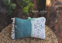Load image into Gallery viewer, Posing pillow for a newborn. Baby Photo Props. Ready to send