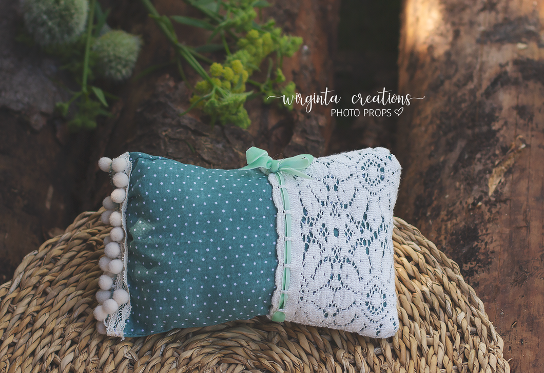 Posing pillow for a newborn. Baby Photo Props. Ready to send
