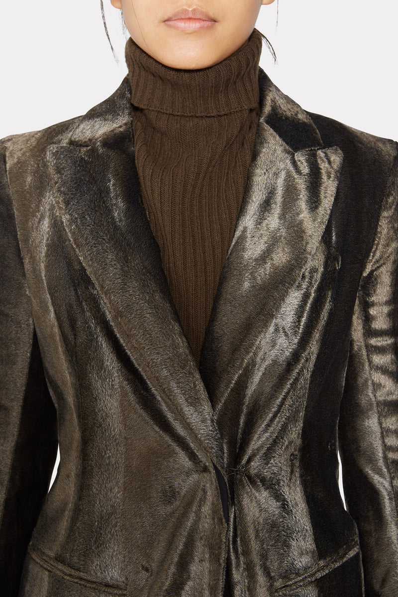 SINGLE-BREASTED FITTED FAUX FUR COAT