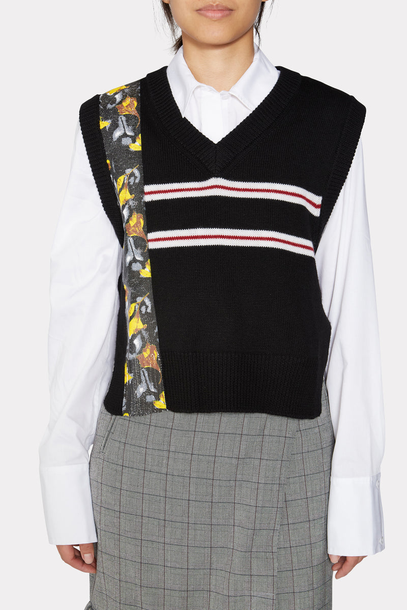 DARK GREY KNITTED VEST W/ VERTICAL PRINT