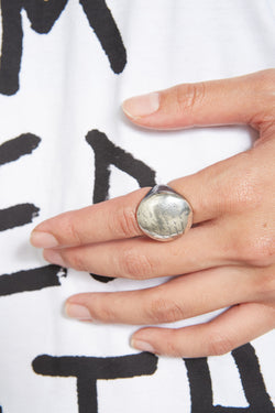 Oxy-dye luna message circle ring
