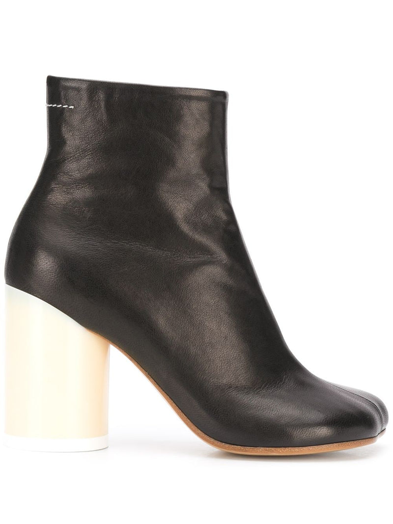 Cylindrical heel ankle boots